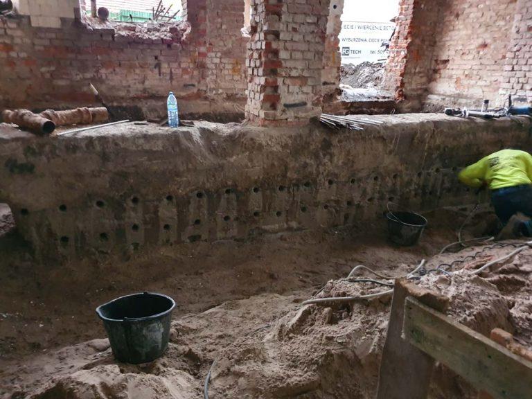 otwory w fundamentach betonowych fgtech